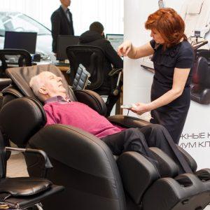 Компания Эллотен продает массажные кресла с 1999 года